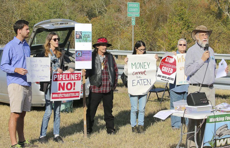 WWALS Watershed Coalition hold demonstration