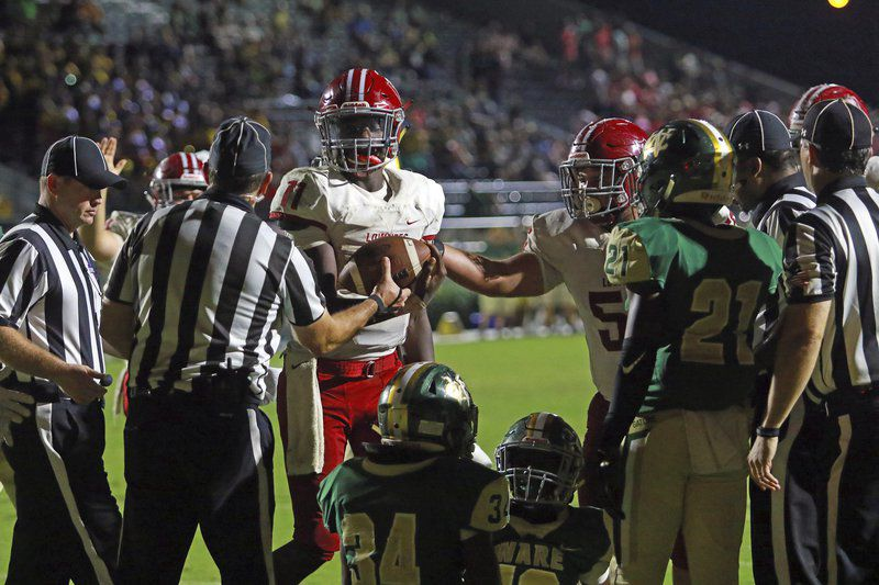 Unfazed: No. 1 Vikings use hot third quarter to pull away from Gators in road win