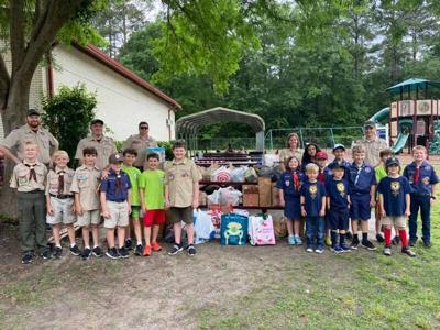 Scouts collect food for S.Ga.