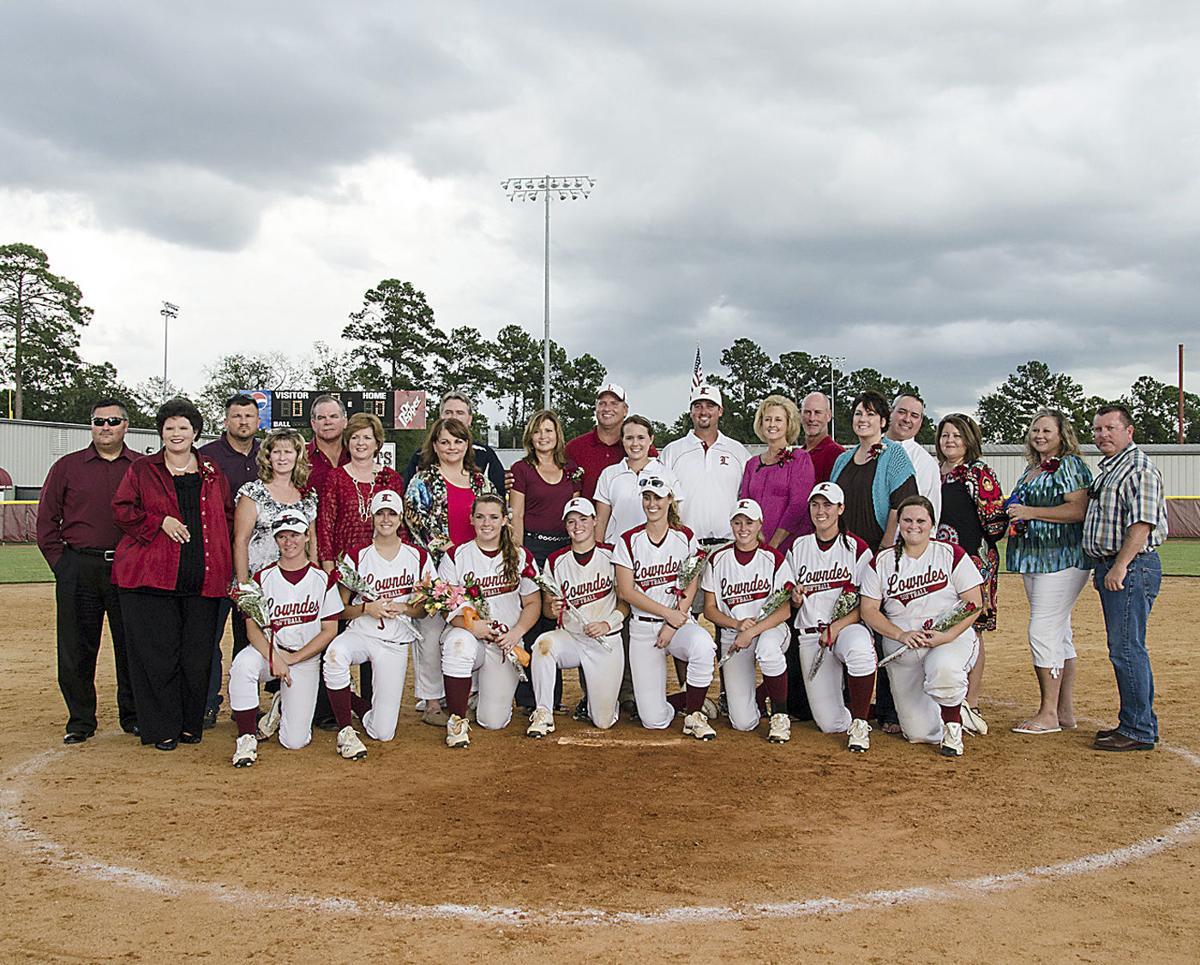 softball seniors.jpg