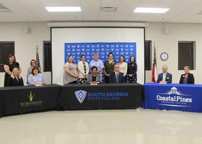 Wiregrass signs teacher education agreement