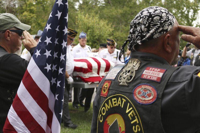 Hundreds attend veteran's funeral