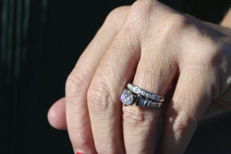 Heart of Gold: Good Samaritans help find lost ring