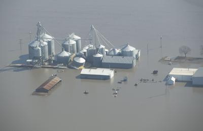 Flooding slams western Iowa soybean farmers