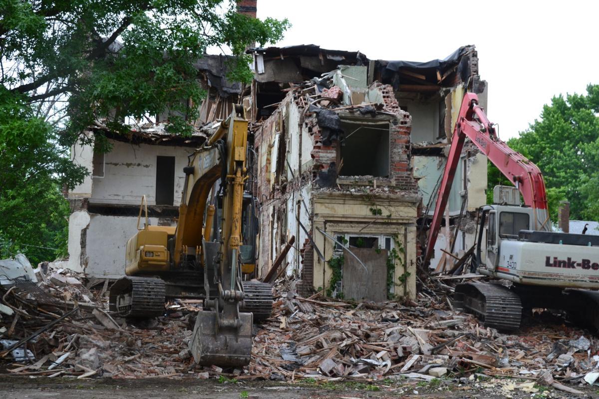 McKeenan Apartments demolition day