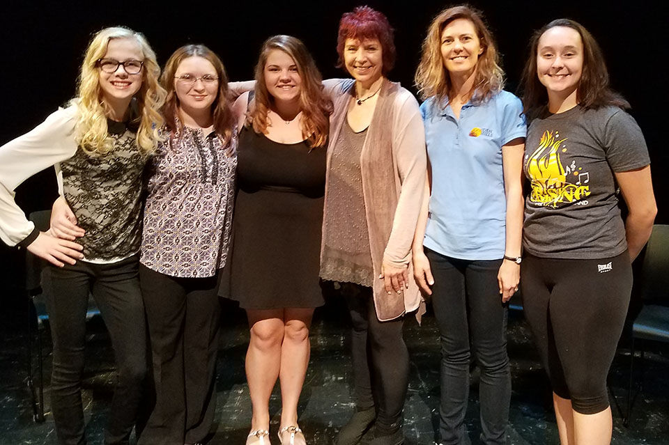 NY Storyteller Performs with Four Southwest Iowa Teens
