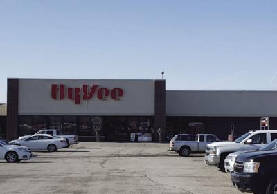 Hy-Vee stores distribute  masks to customers