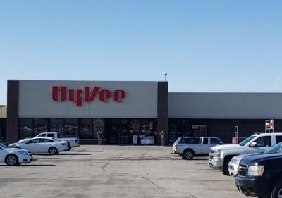 Hy-Vee Stores team up for a carrot giveaway