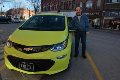 Red Oak man plugs into battery-powered car