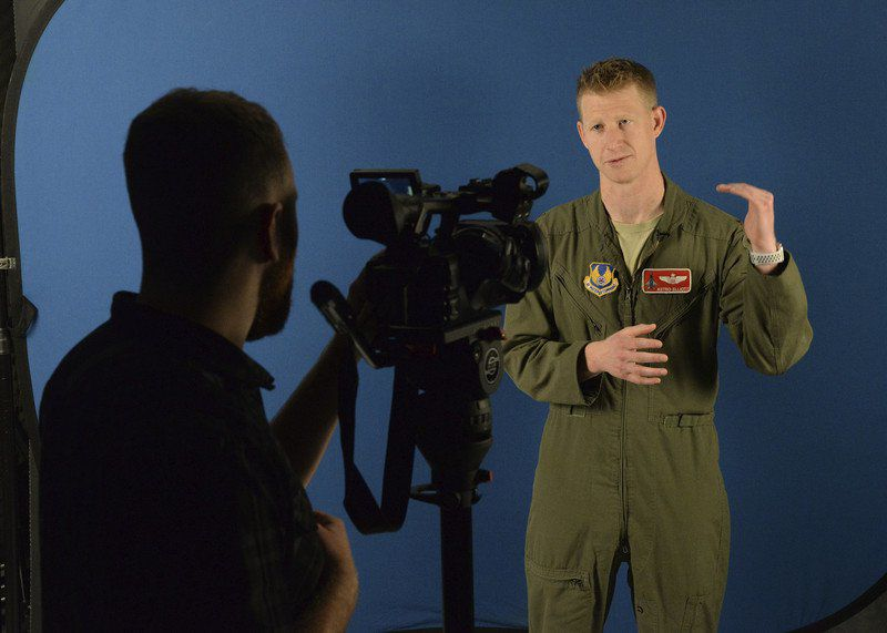 Test pilot briefs T-6 nation on physiological problems