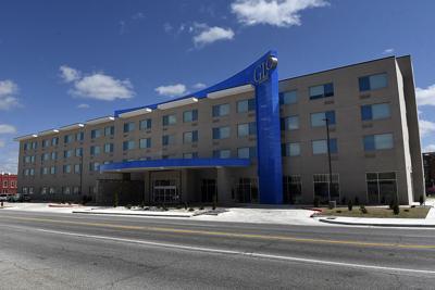 210423-news-hotel BH.jpg