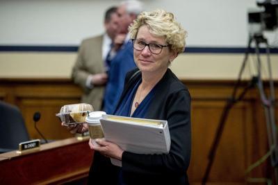 Female veterans want new caucus, clout in U.S. politics