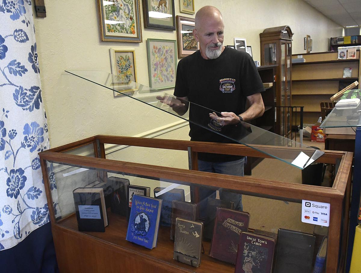 210909-news-bookstore 1 BH.jpg