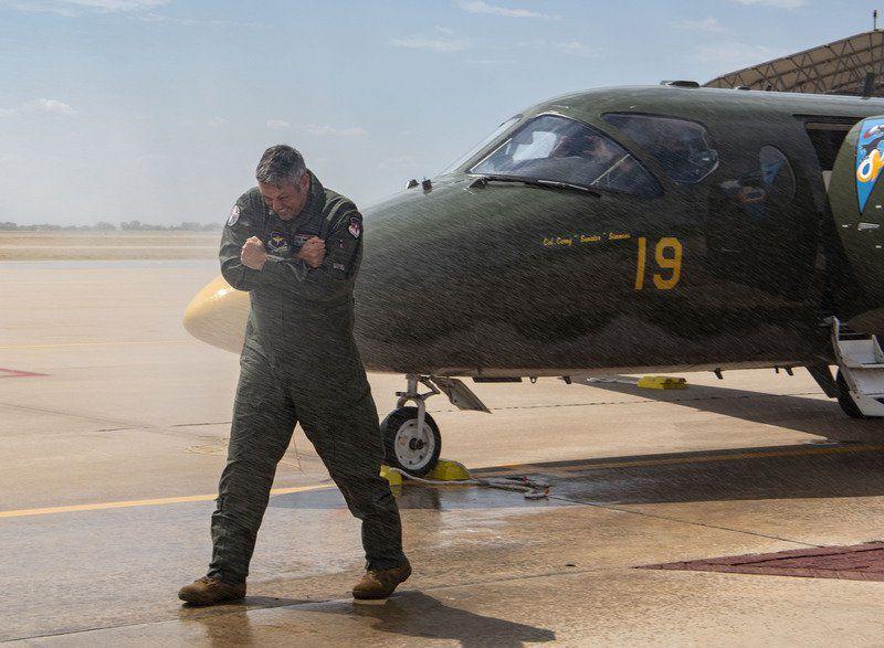 Simmons takes last flight as commander at Vance