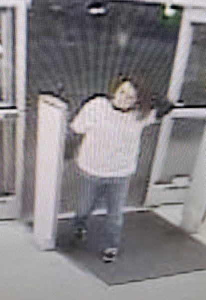 Police seek identity of shoplifter