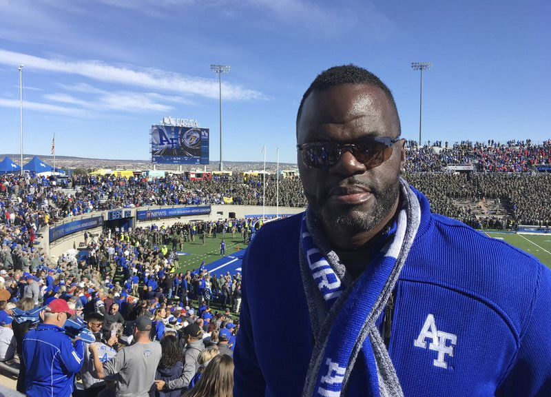 Air Force senior relishes dad in stands after prison release