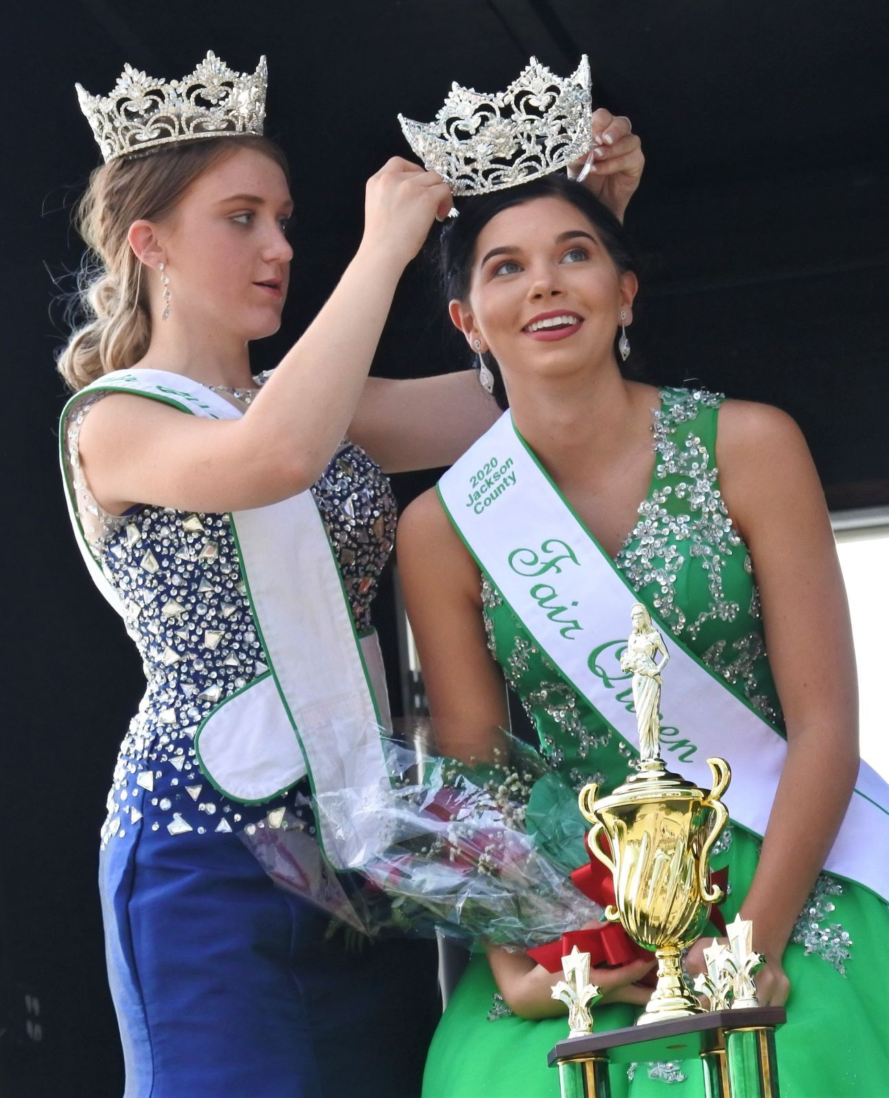 Crowning a new queen
