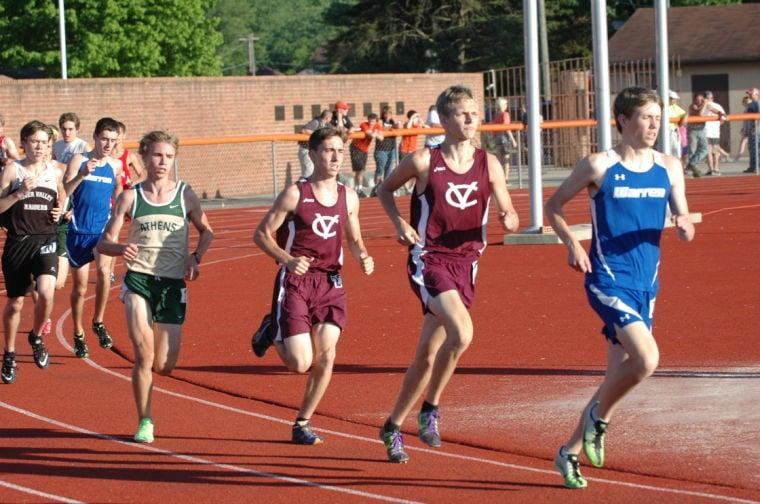 Vikings distance runners