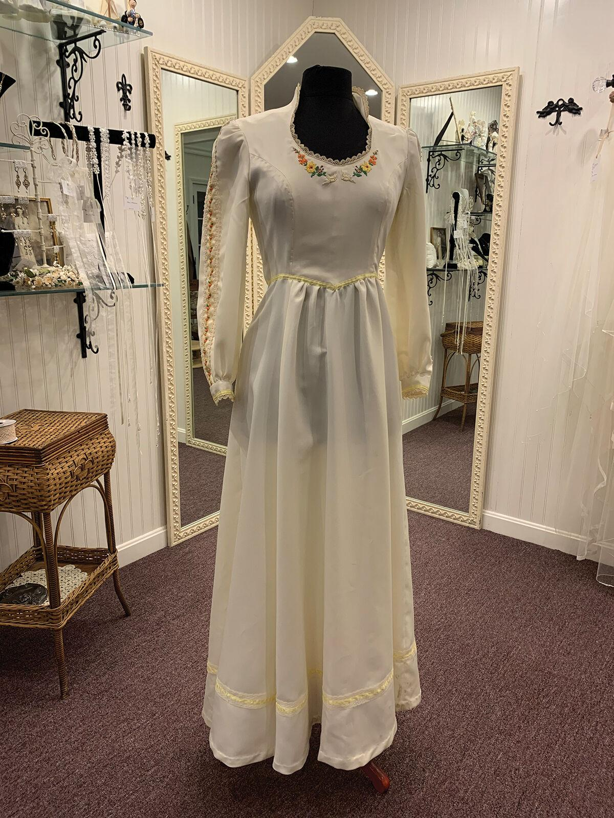 Betsy Nelson's wedding dress