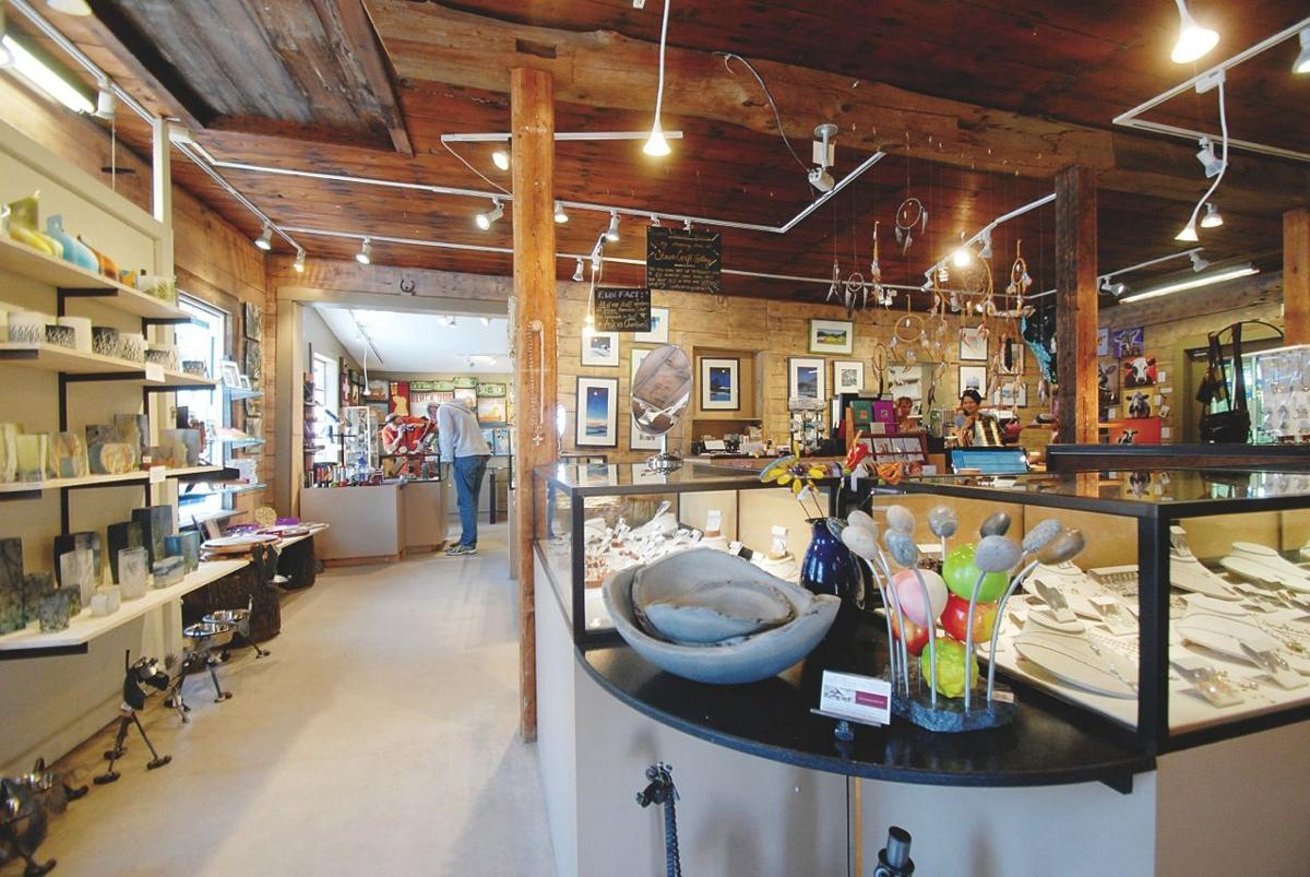 4393 Best gift store: Stowe Craft Gallery