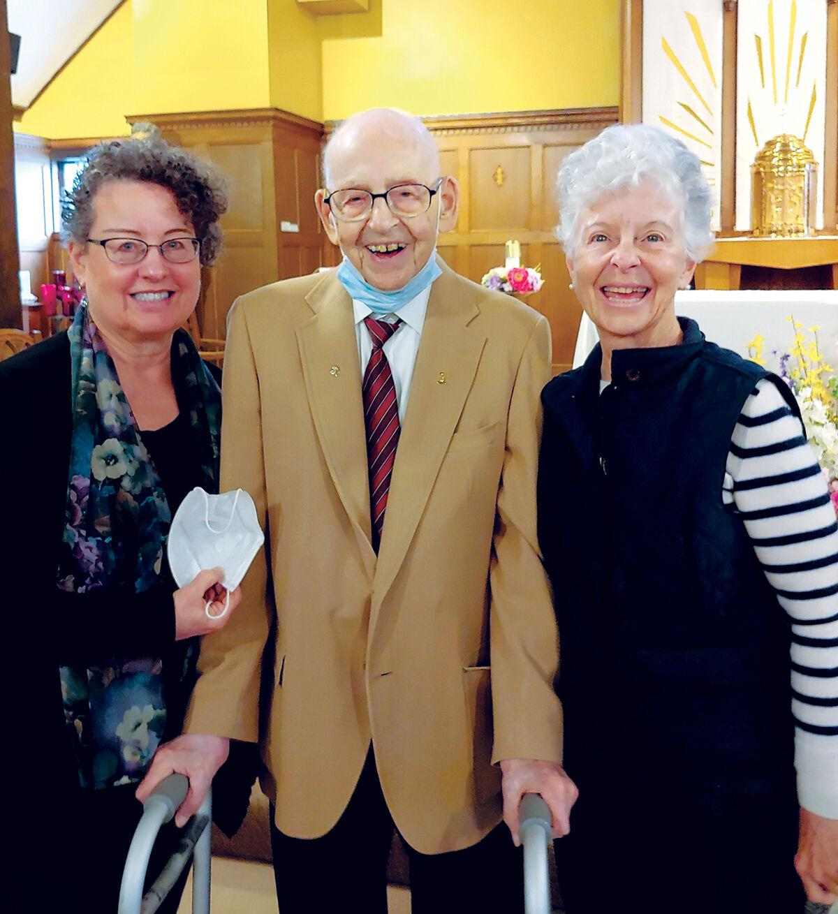 Lenny with daughters Lucille Roberge Nadeau and Joan Roberge Sullivan