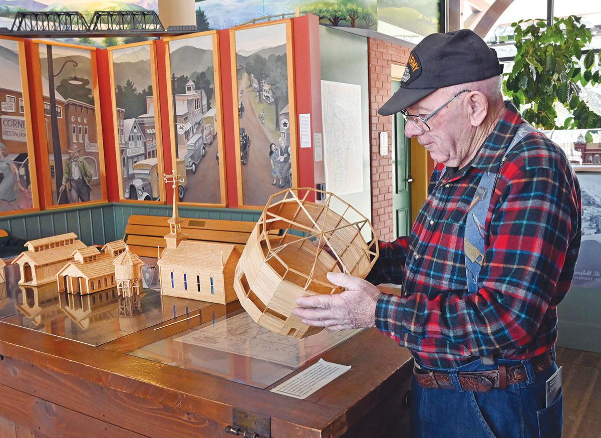 Harold McNaulty's scale models