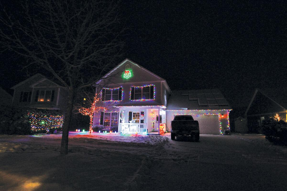 Spreading holiday cheer in Hinesburg 1