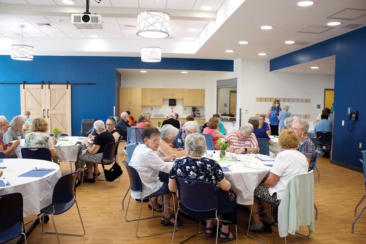 Seniors grab grub in new digs
