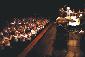 Violin maestro Itzhak Perlman