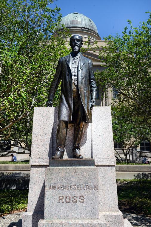 Sul Ross statue