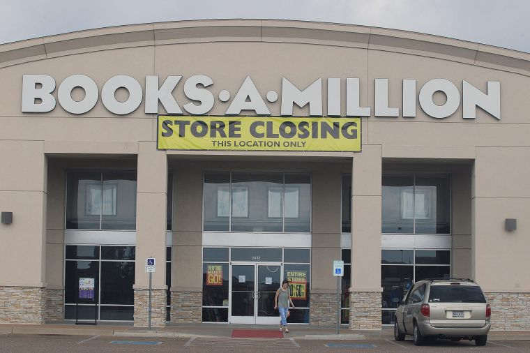 million books closing close waco wacotrib shopper announcing walks reading vehicle sign