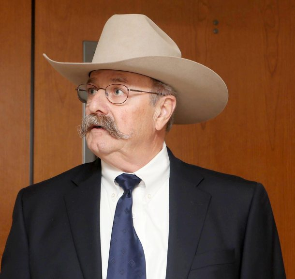 Judge says trial expert can keep $102,000