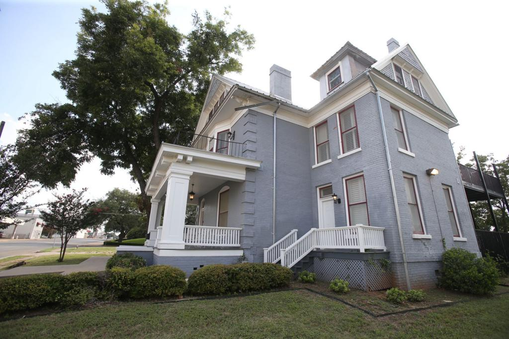 Owner defends almost $1 million asking price for Seventh