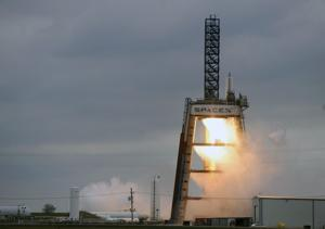 SpaceX moves closer to securing 1st military contract ...