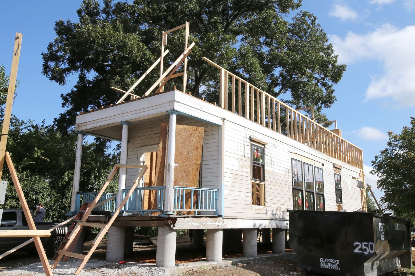 Old U0027shotgunu0027 House Is New Neighbor On Fast Changing Downtown Waco Block |  Downtown Waco | Wacotrib.com