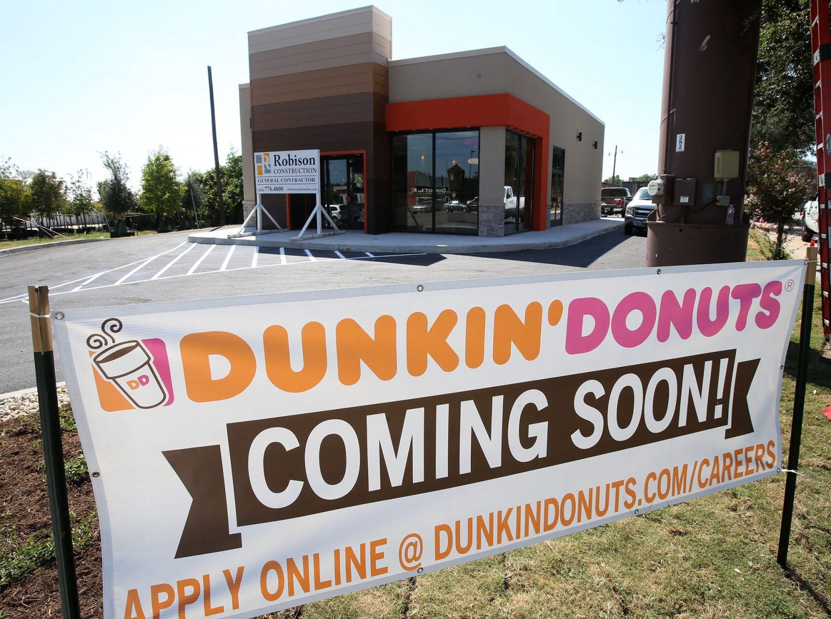 Mike Copeland: Dunkin' Donuts to open Tuesday; Gaineses' plans for ...