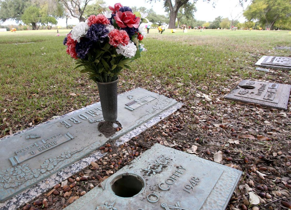 72 bronze vases stolen from waco memorial cemetery police 72 bronze vases stolen from waco memorial cemetery reviewsmspy