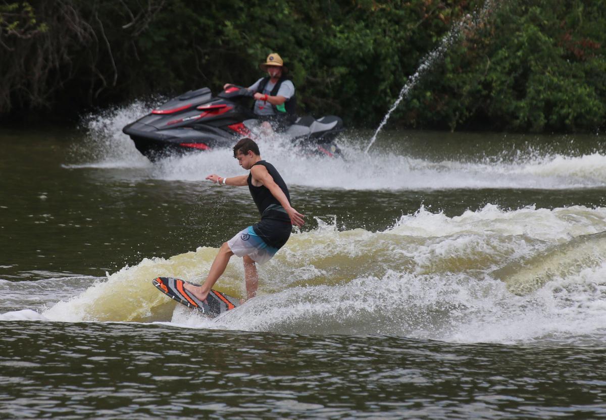 20190803_loc_wakesurfing_ra2