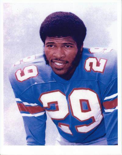 d07d5102b26 Ken Houston played the first six years of his NFL career with the Houston  Oilers, becoming a starter by the third game of his rookie season.