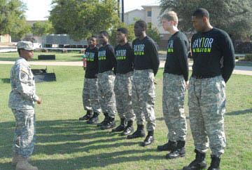 Baylor's hoops troops get taste of military training