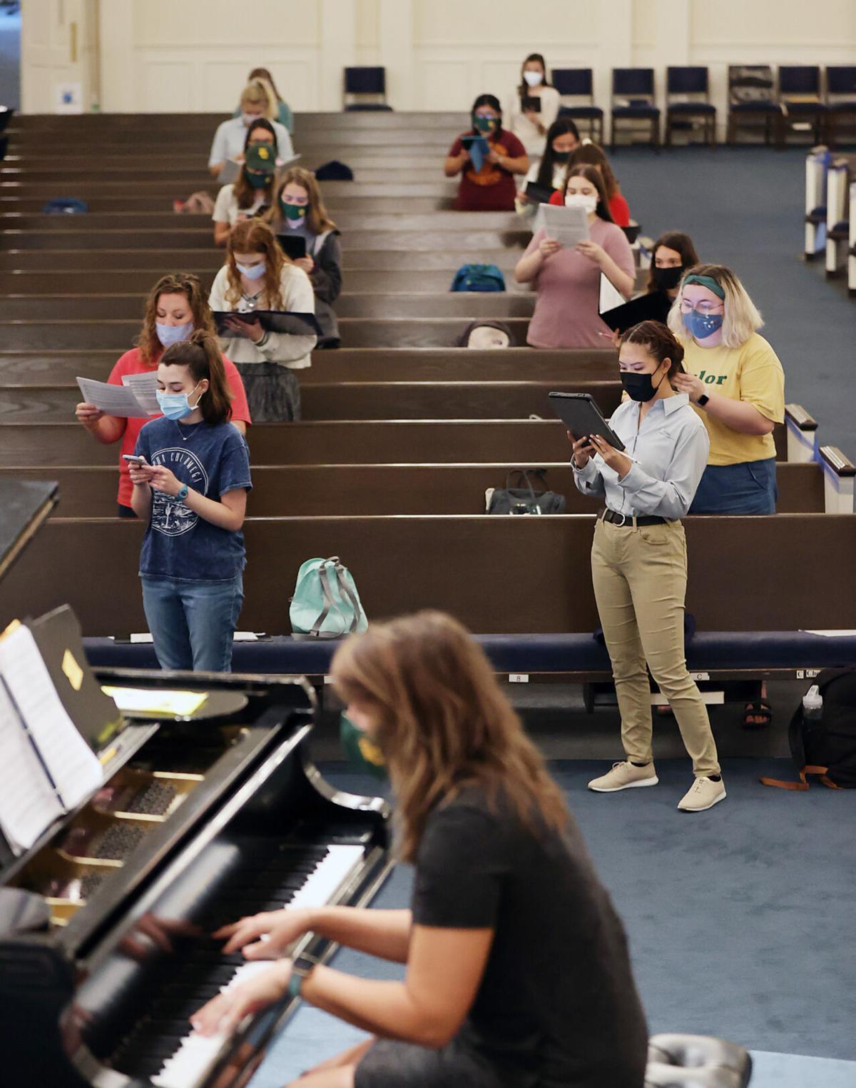 choirs - rehearsing