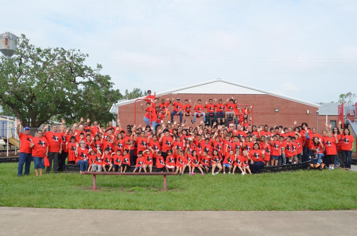 Bosqueville ISD students show pride for Austwell-Tivoli