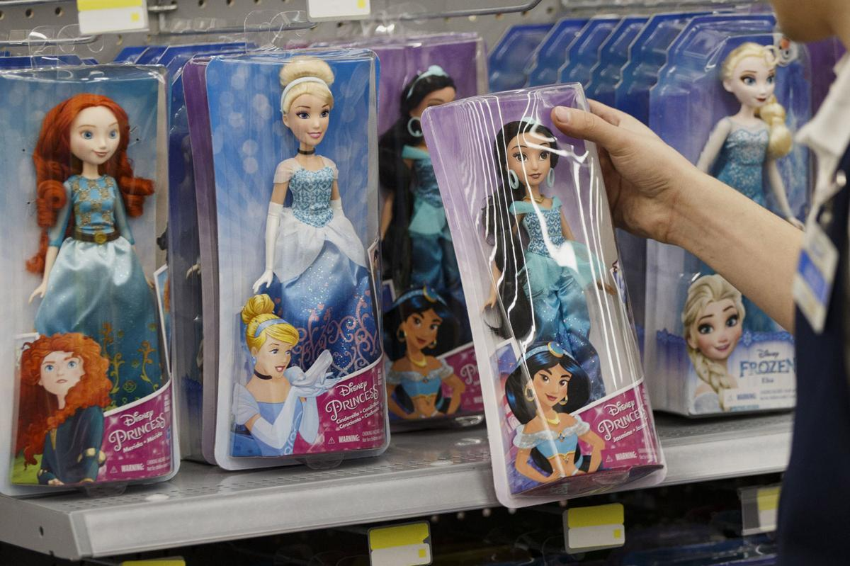 Amazon Takes A Page From Toys R Us With A Holiday Catalog Trending Wacotrib Com