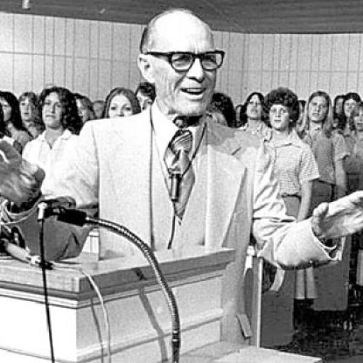 Brazos Past: Sermons by radio preacher Lester Roloff live on