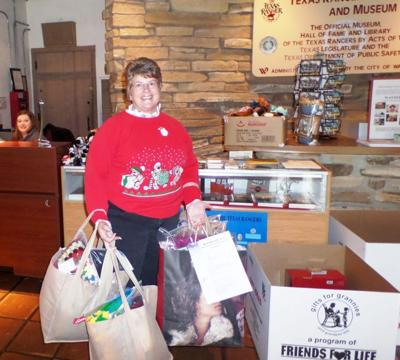 Waco knitting group donates to Gifts for Grannies