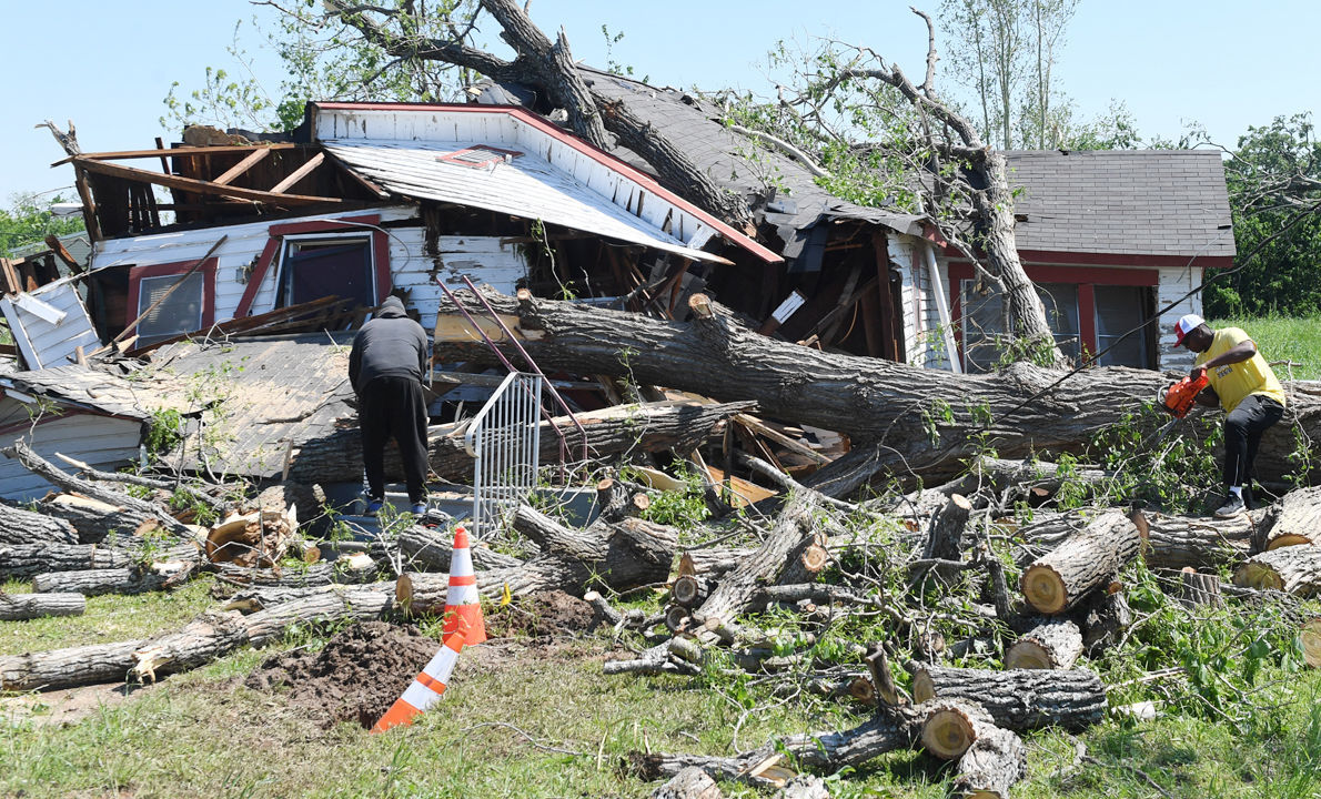 Franklin Tornado Aftermath 2.jpg