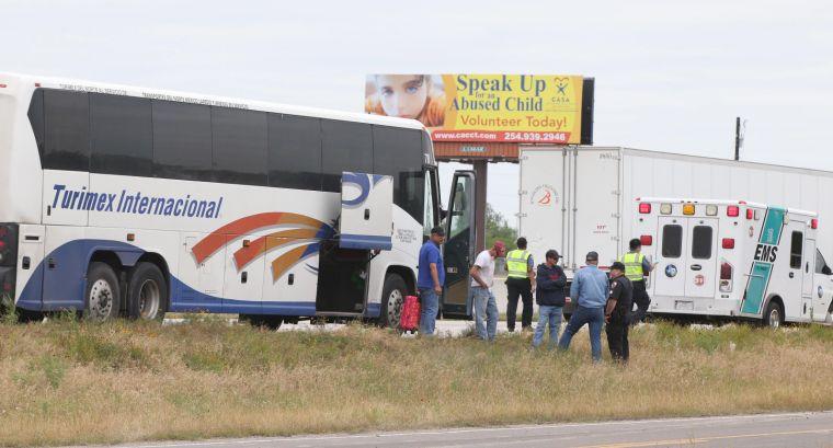 Two injured when bus, 18-wheeler crash on I-35   News