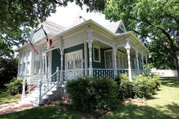 Portals to the Past: Waco's Hoffmann House built from a mail-order kit