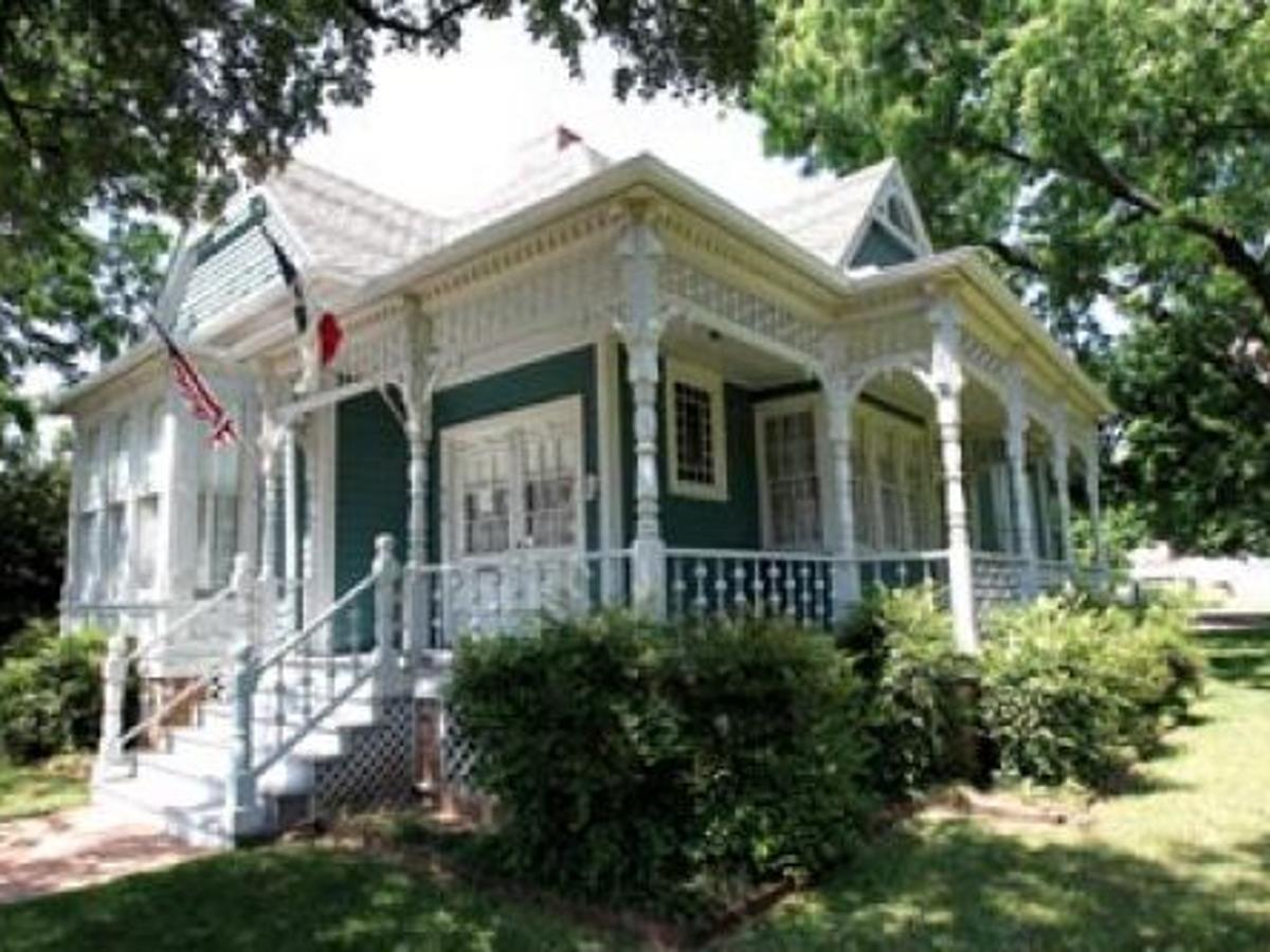 Portals To The Past Waco S Hoffmann House Built From A Mail Order Kit Waco Today Wacotrib Com