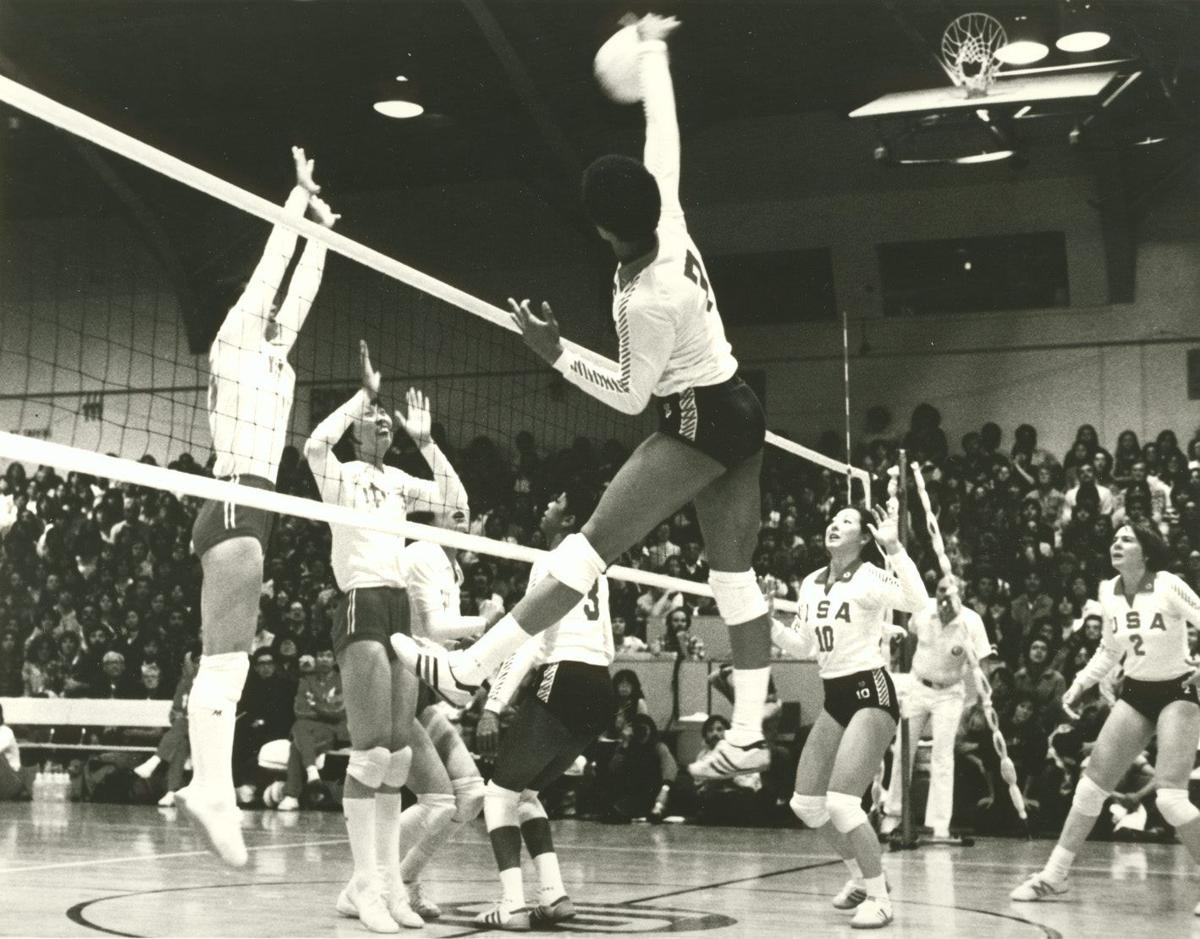 All Time Great Houston Teammates Blazed Path For Volleyball S Next Generation Texas Sports Hall Of Fame Wacotrib Com